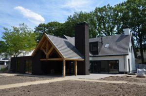 drijvers-oisterwijk-nieuwsbericht-vooroplevering-villa-modern-pannendak-witstucwerk-zink (1)-min